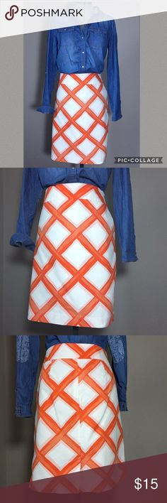 "🆕Listing: Merona Orange Trellis Print Skirt Merona Orange Trellis Print Pencil Skirt. In great condition. Size 12 measures flat: 18"" across top, 22"" across hips, 21"" long, 4.5"" back slit. Fully lined, side zip, 2 front pockets, 100% cotton. 311/25/041717 Merona Skirts Pencil"