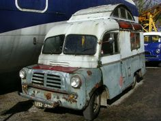 Rusty Bedford CA camper conversion Small Trucks, Old Trucks, Abandoned Cars, Abandoned Vehicles, Bedford Truck, Classic Campers, Old Lorries, Cool Campers, Cool Vans