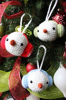 Snowman Ornament - Free crochet pattern by Agnes Chow.