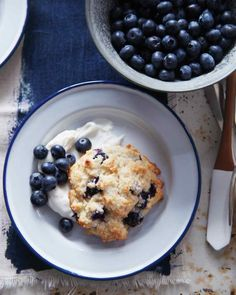 Berry Shortcakes with Whipped Cream Cheese. #summer #breakfast #desserts