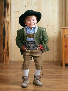 A so a Lausbua. Kids in Tracht ;)