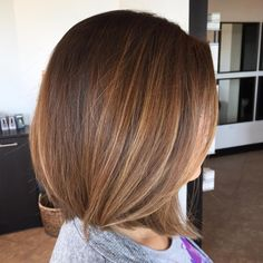 Fresh bob on Agnes! Took about 3 inches off! I used a combo of razor and shears. So fun! And this is the color I gave her 4 months ago! Blonde Bob Hairstyles, Pretty Hairstyles, Medium Hair Styles, Short Hair Styles, Medium Layered Hair, Divas, Hair Painting, Great Hair, Hair Type