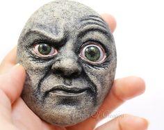Bizarre Originalskulptur auf Stein! Eine von einer Art Hauptdekor ideal für Menschen mit ungewöhnlichen und einzigartigen Geschmack! OOAK kreative Steinkunst!