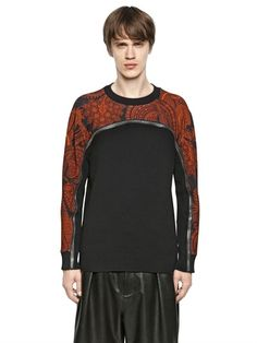 GIVENCHY COTTON SWEATER WITH ZIP DETAIL £805.00 at luisaviaroma (PRE-ORDER > IN ARRIVAL BY FEBRUARY 2015) Paisley printed cotton sweatshirt shoulders and external sleeve panels Cotton knit front and back panels Ribbed collar and cuffs Front zip detail between cotton sweatshirt and knit Sample size: M 100%CO
