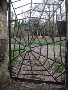 Reckon I could work on my welding skills and produce something like this! http://bit.ly/HKptm1