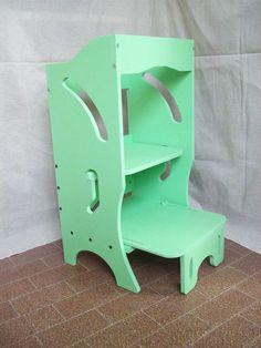 Metodo montessori: torre dell'apprendimento di dimensioni ridotte. Torre montessoriana. Learning Tower. Mobili per bambini. Torretta scaletta #montessori #malerbart #camerette #mobili