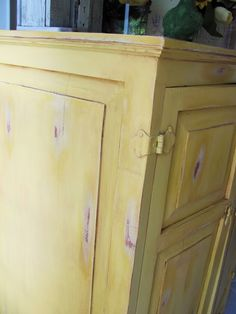 Savvy Southern Style: primed, painted, sanded, glazed and removed glaze to achieve this finish
