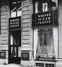 Wiener Werkstätte store front in Vienna. Photo courtesy of The Vienna Secession. Art History Timeline, Art History Major, Art History Memes, Art History Lessons, History Tattoos, Art Nouveau, Art Deco, Koloman Moser, Jugendstil Design