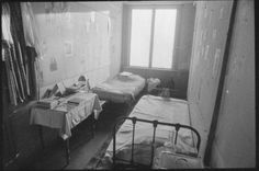 Anne Frank's bedroom refurnished in February 1986