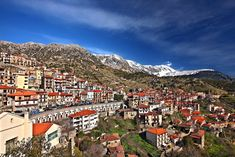 Certainly, this beautiful mountainous town nestling picturesquely at the foot of Mount Parnassos, located in Southern Greece, is a great destination for a holiday. Skiing, Cities, Greece, Tourism, Road Trip, Southern, Mountains, Landscape, Architecture