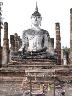 Buddha statue,Sukhotai,Thailand - would love to bask in the splendor of this place!