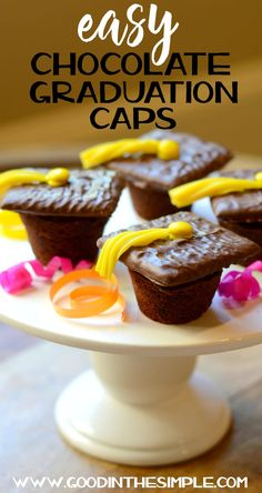 If you're celebrating a graduation this spring, whether it's for pre-school or law school, I've got a fun and easy graduation party dessert for you. The best part about these chocolate graduation caps is that Graduation Party Desserts, Graduation Party Foods, Graduation Cupcakes, Graduation Celebration, Graduation Caps, Kindergarten Graduation, Graduation Theme, Hazelnut Cake, Best Party Food