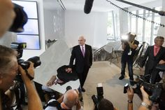 Frank Gehry at the UTS building opening. Photo James Brickwood