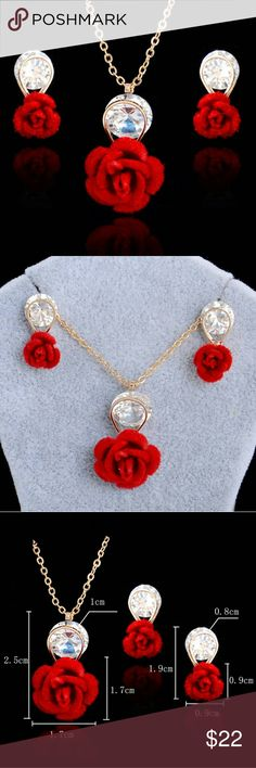 The most elegant bohemian jewelry set Gold plated rose jewelry, can be worn for evenings, weddings and parties. Very unique necklace and earrings. Looks gorgeous with red or black dress. Vintage Jewelry Earrings