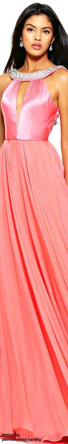 #Farbbberatung #Stilberatung #Farbenreich mit www.farben-reich.com Sherri Hill Spring 2017