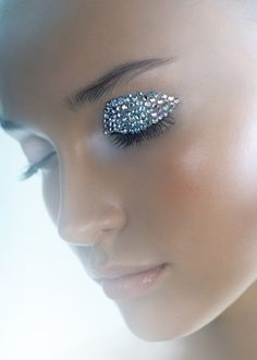 An eyelid of clear crystals.
