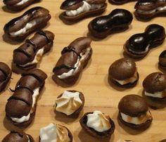 Devils+Chocolate+Eclairs+-+Easy