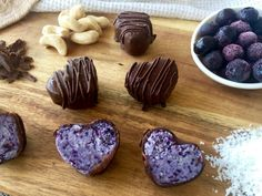 Ideal for a sweet something after dinner, or as a quick afternoon tea with a cuppa, these Chocolate Coconut Blueberry Bites are packed with goodness. Healthy Mummy Recipes, Tofu Recipes, Healthy Treats, Healthy Desserts, Snack Recipes, Dessert Recipes, Healthy Foods, Desserts With Biscuits, Energy Smoothies