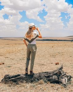 What to Wear on Safari - 14 Essential Items to Pack for Your Safari Safari Outfit Women, Safari Outfits, Safari Clothes, Casual Summer Outfits, Trendy Outfits, Summer Ootd, Tanzania, Kenya, Minimalist Fashion Summer