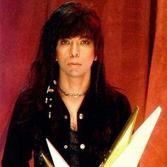 Nazareth Hair Of The Dog, Gene Simmons Bass, Kiss World, Vinnie Vincent, Famous Guitars, Eric Carr, Peter Criss, Paul Stanley, Kiss Band