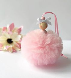 Baby Shower Ides For Girs Ballerina Pom Poms 23 Ideas Tulle Poms, Pink Tulle, Tulle Tutu, Boy Decor, Nursery Decor, Bedroom Decor, Cute Crafts, Crafts For Kids, Ballerina Baby Showers