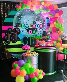 14th Birthday Party Ideas, Cute Birthday Ideas, Neon Birthday, Girl Birthday Themes, Sweet 16 Birthday, Birthday Parties, Glow Party, Disco Party, Neon Party Themes