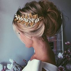 Absolutely in love with all hairstyles by @ulyana.aster _ For more wedding inspiration: @weddingofdreams @weddingofdreams @weddingofdreams @weddingofdreams