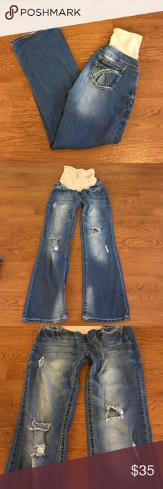 Maternity Jeans *distressed*stretchy* L Super cute!!! (Other than distressed look) no rips, stains or holes... smoke/pet free home. Purchased at 2 Peas in a Pod Wallflower Jeans Boot Cut