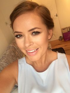 Tanya Burr - my god she looks stunning. Beautiful hair and makeup My Beauty, Beauty Makeup, Beauty Hacks, Hair Makeup, Hair Beauty, Tanya Burr Makeup, Bridal Makeup, Wedding Makeup, How To Do Makeup