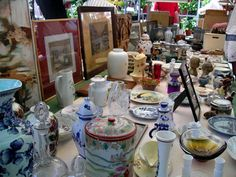 Amsterdam Photo Gallery: Scenes from Amsterdam's Open-air Markets: Antiques at Amsterdam's Noordermarkt Flea Market