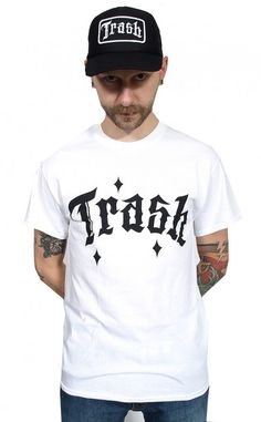 "Produkt: ""trash fuck the world white""   Trash Skate - producent skate odzieży, hardcorowe koszulki, punk ubrania, skate koszulki, skateboard, decki, blaty"