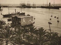 Real Club de Regatas. Vista general del Real Club de Regatas de madera Año: 1900 (aproximado) - Archivo Ayuntamiento. Colección: MANUEL CANTOS