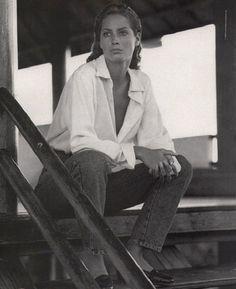 . . Christy Turlington . .
