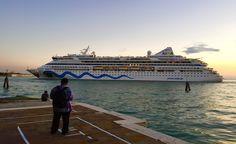 photo by Emanuele Dello Strologo - GrandiNavi - Laguna di fronte all`Isola di Sant`Elena