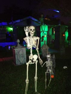 trick or treat #halloween #yardhaunt #yard haunt #skeleton