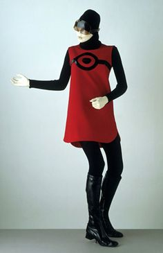 'Cosmos' Tunic and Sweater, Pierre Cardin, 1967, V&A Museum  Cardin's pioneering, futuristic clothes had a profound influence on 1960s fashion design.
