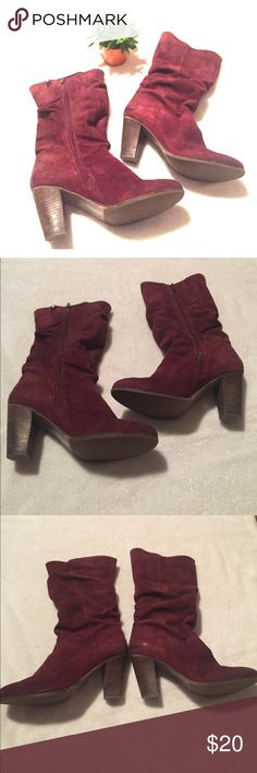 """Steve Madden Lorreta Mid-Calf Boots in Wine 🍷 Stylish Steve Madden suede boots, style Lorreta, color wine. Size 7 1/2, fit true to size. These boots are mid-calf and have a slouchy style, 14"""" from top to bottom. Full zip on the inner side of the boots. They are very soft and have that perfect early Fall look. Heel is 3"""", no platform. Pre-loved but have plenty of life left, they have wear (rubbing of fabric) on the back of the heels, see pics, not noticeable when wearing. Steve Madden Shoes…"""
