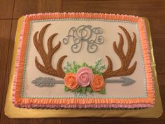 "Loving this floral ""Oh Deer"" baby shower cake! The arrow on top and on the sides of the cake give it a little ""wild one"" feel too. Girl Shower Cake, Baby Shower Sweets, Baby Shower Cakes, Arrow Baby Shower, Boho Baby Shower, Floral Baby Shower, Sweet 16 Birthday, 1st Birthday Girls, 1st Birthday Parties"