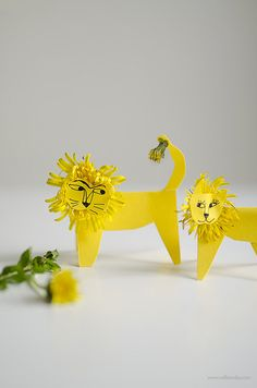Nature Craft | Dandelion Lions with printable template | willowday