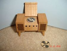 Vintage Dol Toi dolls house furniture Radiogram or Record Player Mini Tv, Record Player, Doll Houses, Dollhouse Furniture, Dollhouse Miniatures, Dolls, Vintage, Baby Dolls, Dollhouses