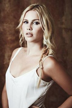 Claire Holt natural beauty, sometimes i wish i was australian. something about them, beautiful people