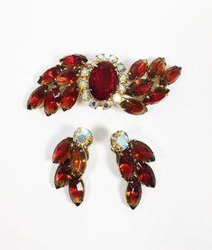 Dangle Drop Clip Earrings Peridot Green and Lemon Yellow Rhinestone Brooch Earrings Set