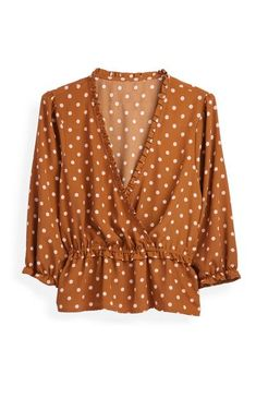 Orange Polka Dot Top Polka Dot Shirt, Pink Polka Dots, Polka Dot Top, White Sleeveless Blouse, Black Blouse, Primark Tops, Cute Crop Tops, Going Out Tops, Shirt Outfit