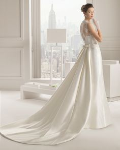 SANDRA 2015 - Corded lace and rustic silk dress and train with beadin... - ROSA CLARA