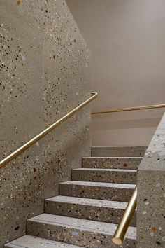 Brass and terrazzo staircase by Casper Mueller Kneer Architects.c… for more – staircase Terrazzo, Architecture Details, Interior Architecture, Interior And Exterior, Interior Paint, Interior Staircase, Staircase Design, Staircase Ideas, Stair Design