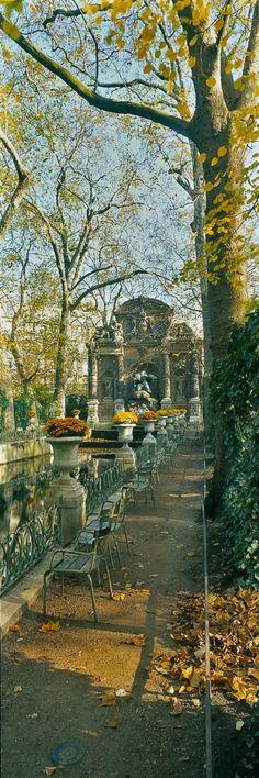 Fontaine de Medici, Paris: Image credit unknown #Paris