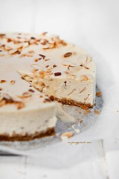 Almond amaretto cheesecake//