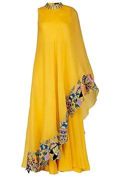 Party Wear Indian Dresses, Pakistani Dresses Casual, Indian Gowns Dresses, Indian Fashion Dresses, Pakistani Dress Design, Indian Designer Outfits, Abaya Fashion, Designer Dresses, Fashion Outfits
