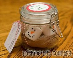 Cute Homemade Christmas Gifts - Snowmen Hot Cocoa - Click pic for 25 DIY Christmas Gifts in a Jar Homemade Christmas Gifts, Christmas Goodies, Homemade Gifts, Holiday Fun, Christmas Holidays, Homemade Food, Diy Food, Handmade Christmas, Holiday Ideas