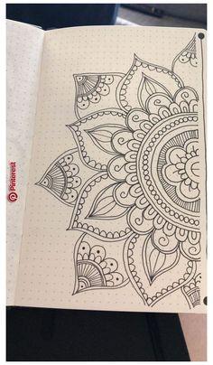 Mandala Doodle, Mandala Art Lesson, Mandala Artwork, Easy Mandala Drawing, Mandala Tattoo, Zen Doodle, Doodle Art Drawing, Cool Art Drawings, Art Drawings Sketches